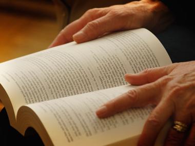 01-reading-books-sl.jpg